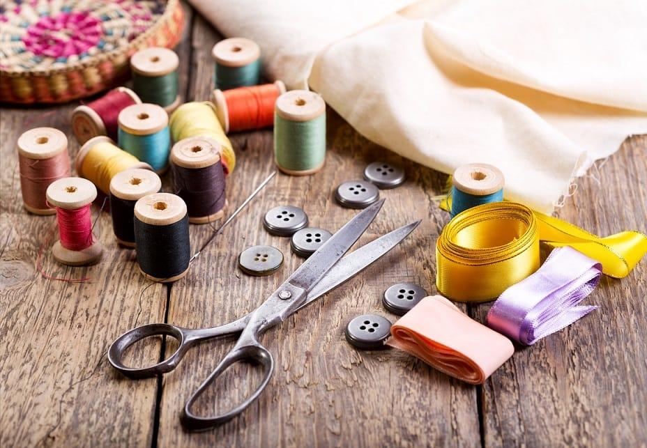 Los accesorios esenciales para tu máquina de coser