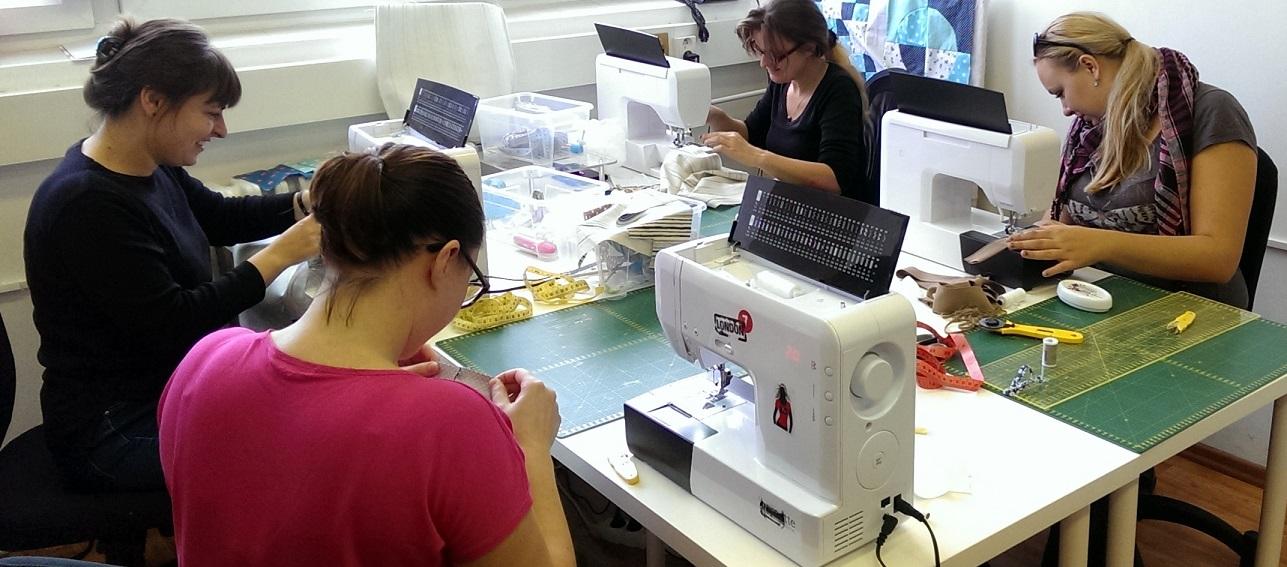 Enseñar a coser mediante clases colectivas