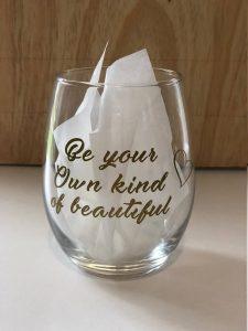 vasos de vino decorados